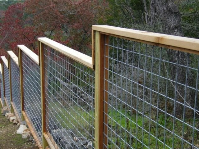 hog wire horse fence